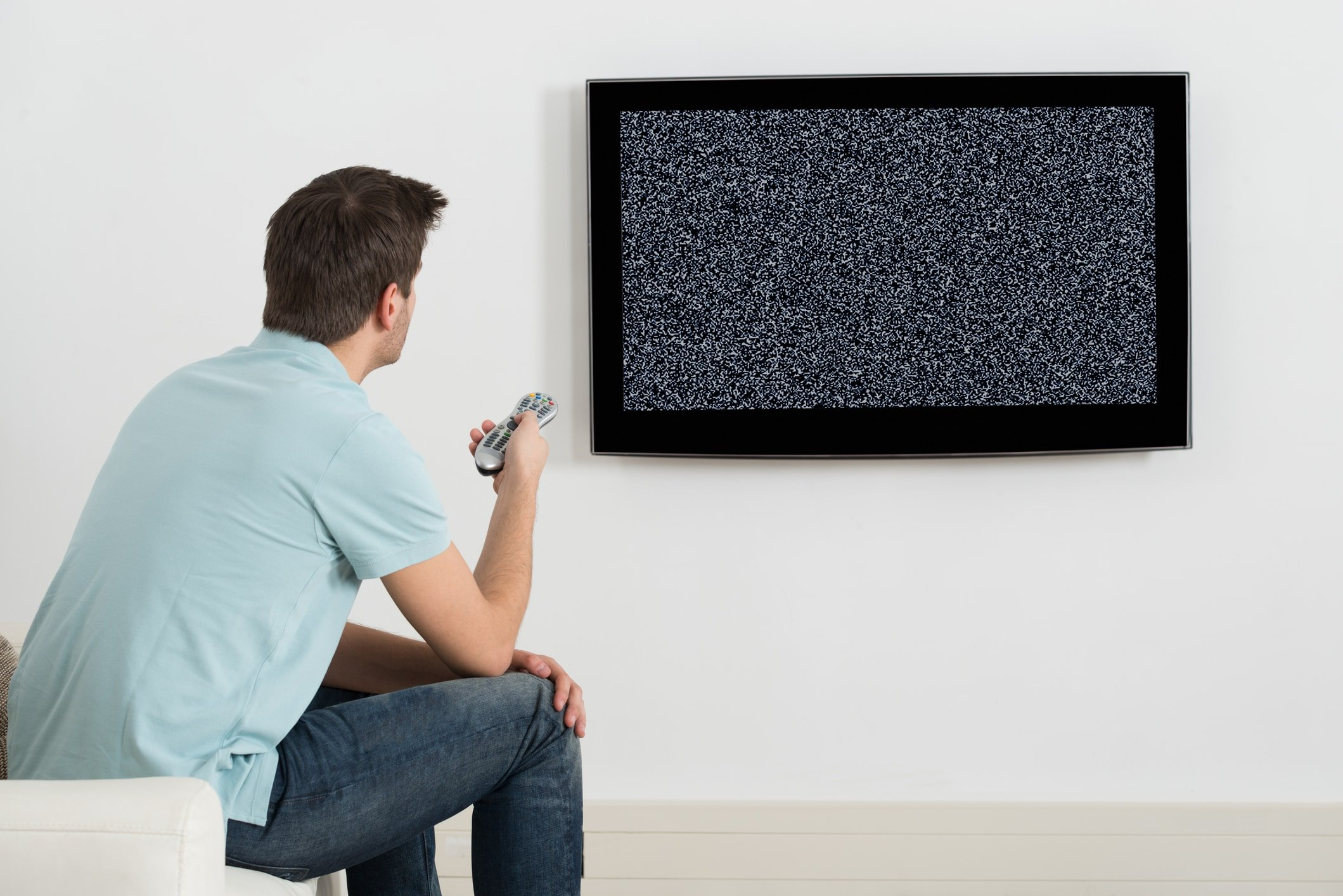 Man experiencing TV reception issues in Sydney